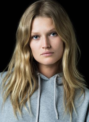 Toni Garrn Top Model